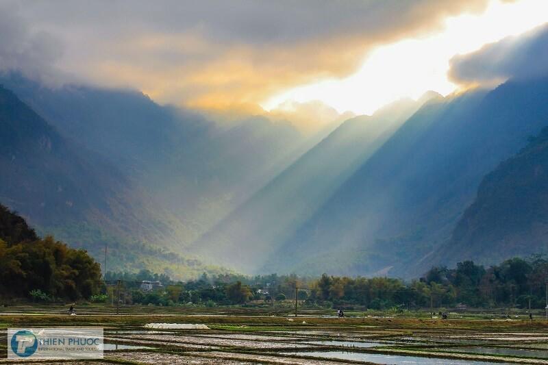 Kinh nghiệm đi du lịch Ba Khan – Hoà Bình
